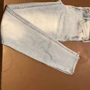 Hollister Jeans - Is a Low-rise Super Skinny Jeans